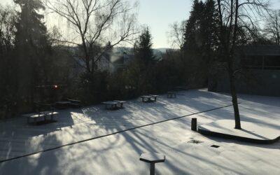 Unser Schulhof im Schnee